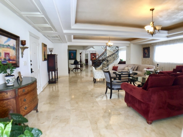 Urb. Real, Gran Oportunidad, Espacioso, Confortable y Precioso Penthouse Vista Mar ID.2599